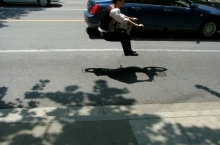 floating-invisible-bicycle-photos-by-zhao-huasen-05-630x473